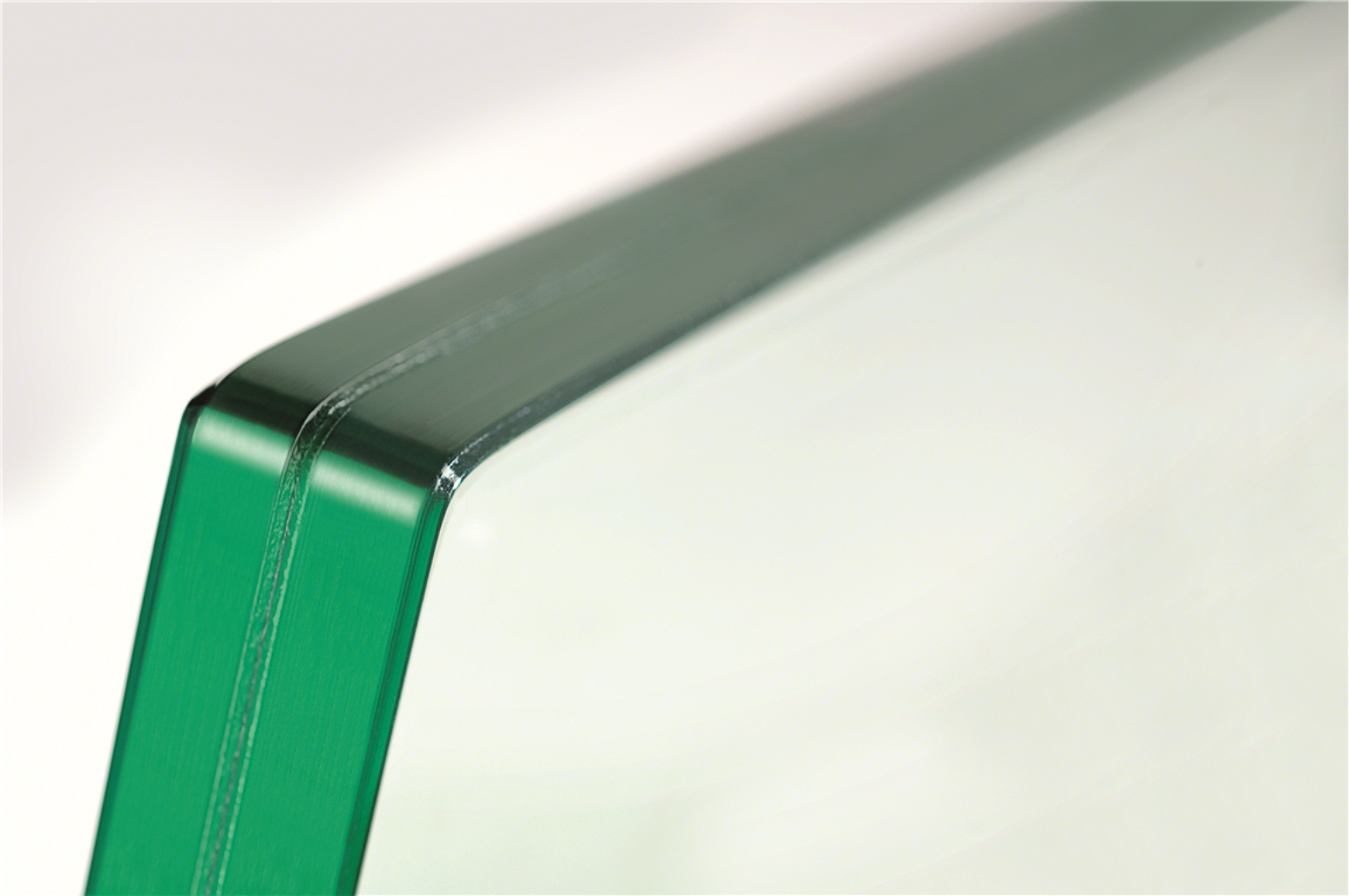 Glass services: cutting, polishing, drilling, sandblasting ...